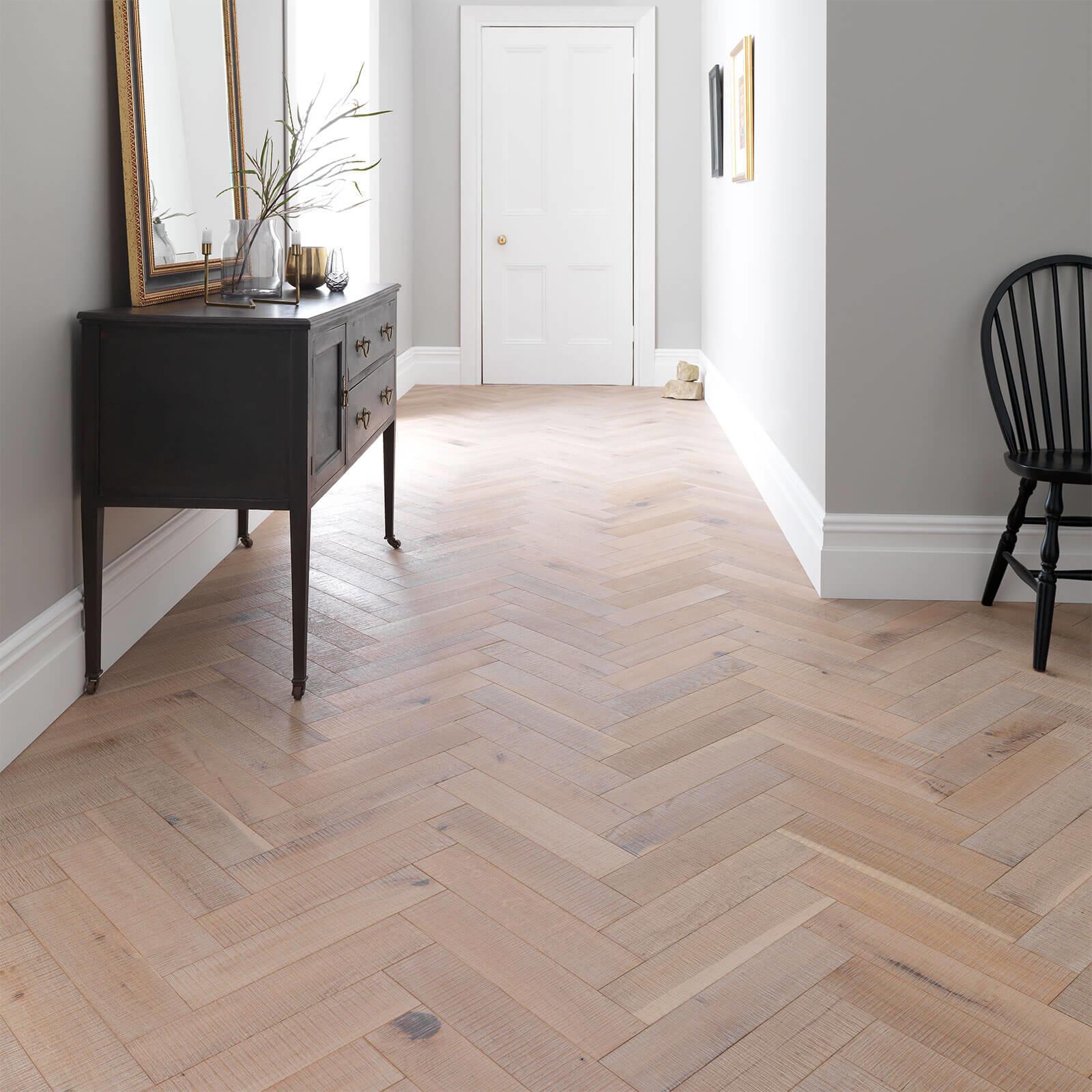Salted Oak Goodrich Woodpecker Flooring Lifestyle2