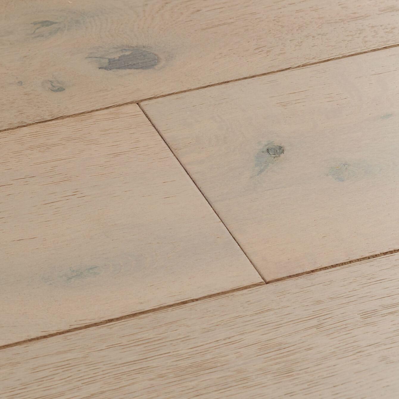 Vanilla Oak Chepstow Woodpecker Flooring