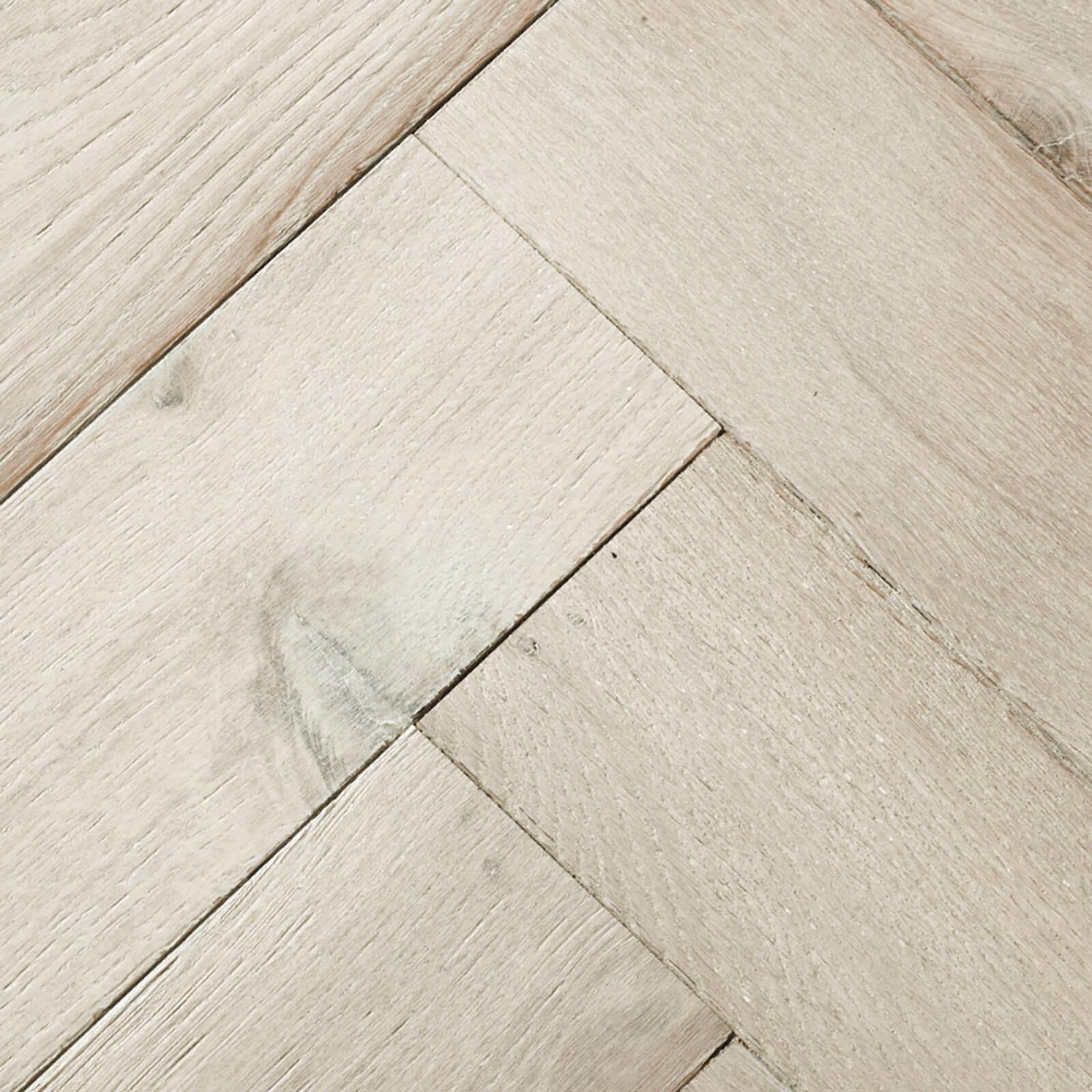Whitened Oak Goodrich Woodpecker Flooring